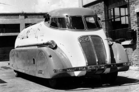 1937 REO Speedtanker