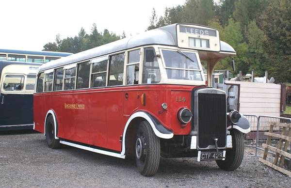 1938 Leyland Tiger TS8 with Roe B30F body