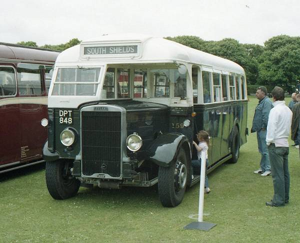 1939 Leyland Tiger TS8 with Roe B32F body