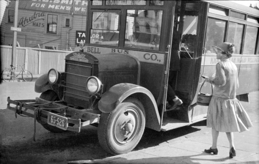 1940 Bell Bus REO Speed Wagon