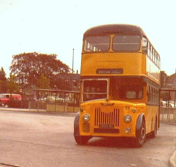 1958 Leyland Titan PD3-1 with Roe body