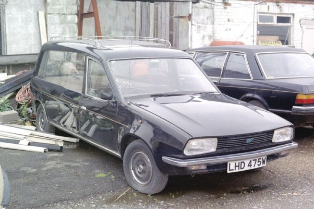 1965 Renault 12 Hearse