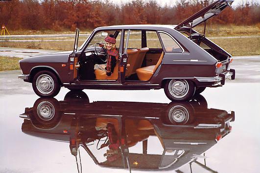 1966 Renault-R16-open