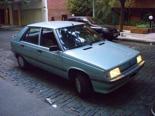 1988 Renault 11 p