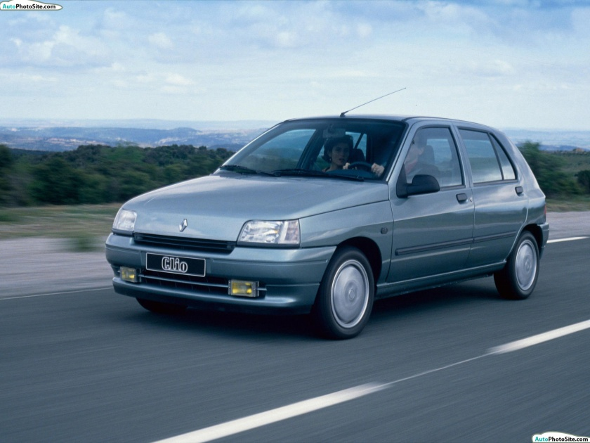 1990_Renault-Clio_1.7_RT_5-door_1990-02