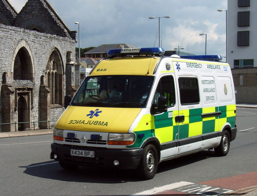 1991 South_Western_Ambulance_X434BFJ_(1)