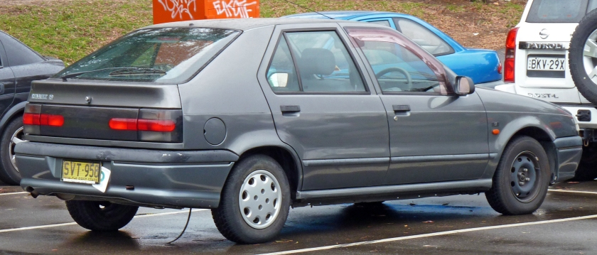 1995 Renault 19 5-door hatchback