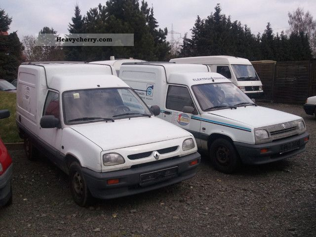 1995 Renault Rapid Diesel x 2 pieces