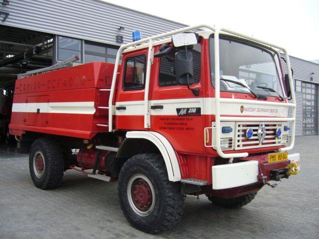 1996 Renault-M-210-4x4-FW-Hlavac-140506-01