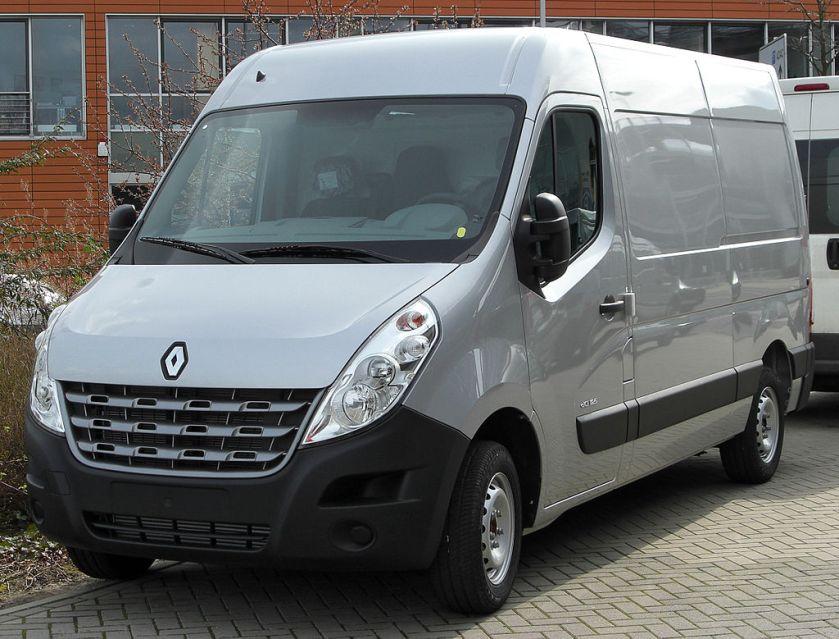 2008 Renault_Master_IV_front_20100504