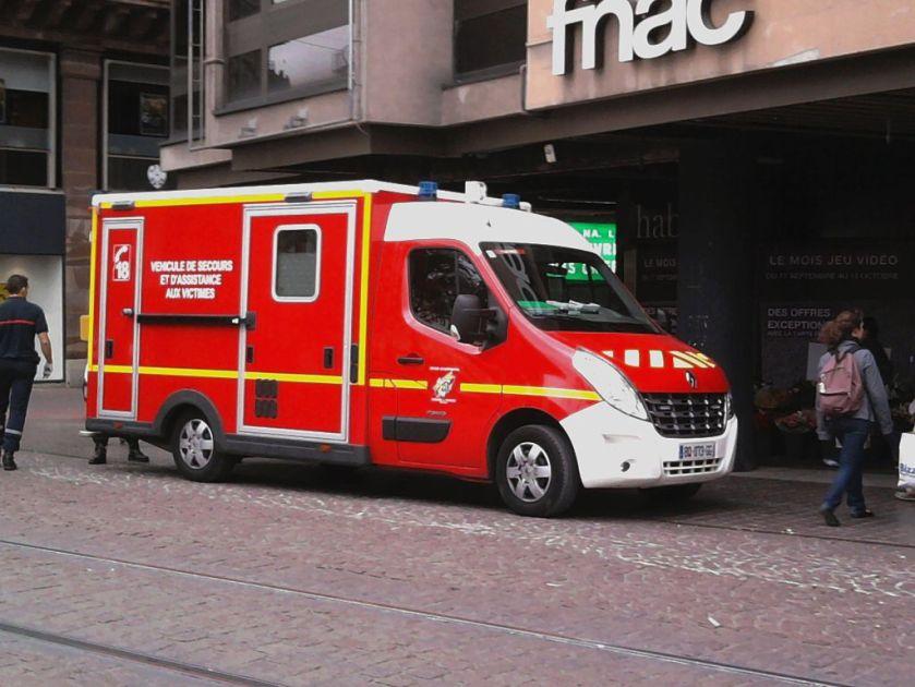 2011 Renault Master VSAV2011-Strasbourg_FNAC
