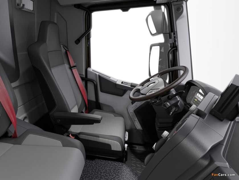 2013 renault_c-series-trucks inside