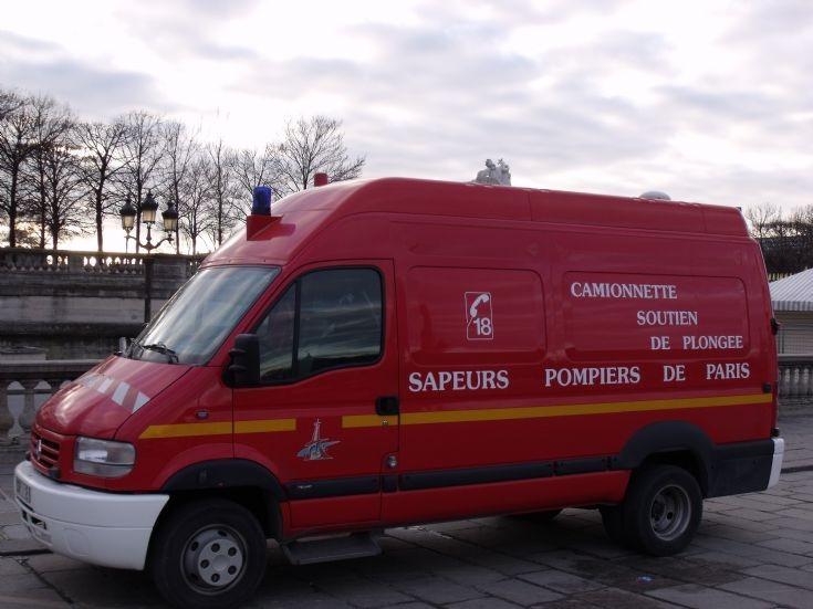 Renault Camionnette Soutien de Plongée.