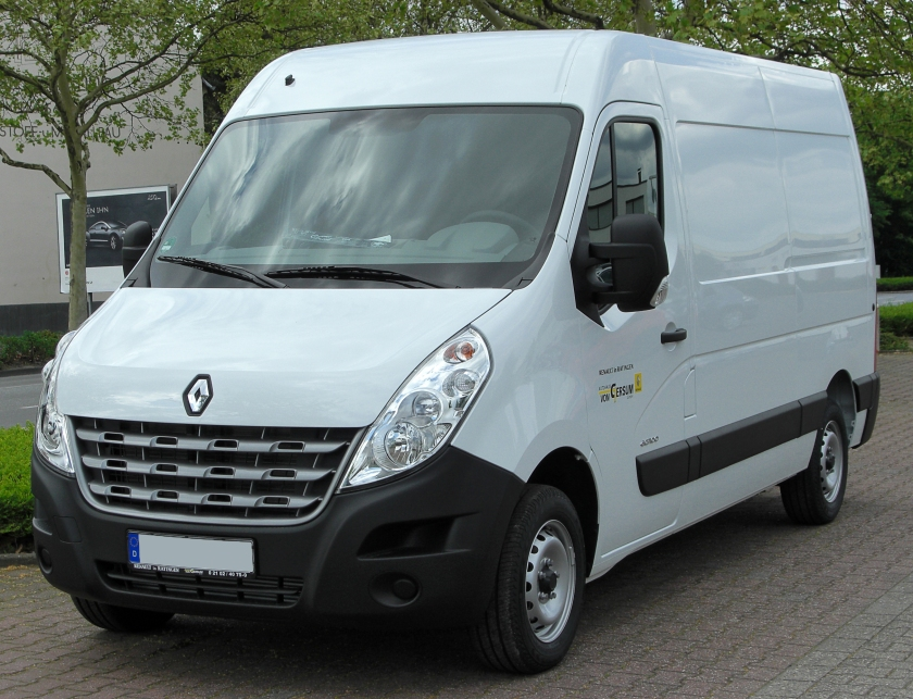 Renault Master IV front