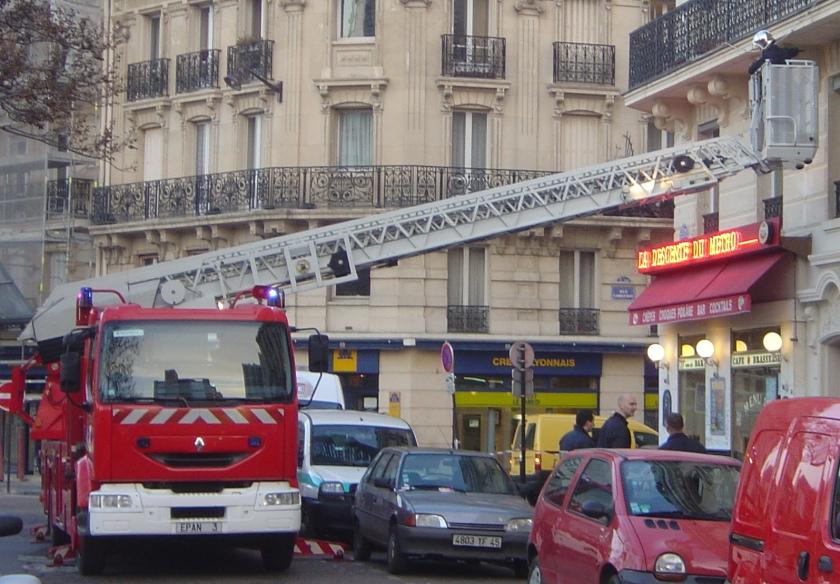 Renault Pompiers Paris echelle