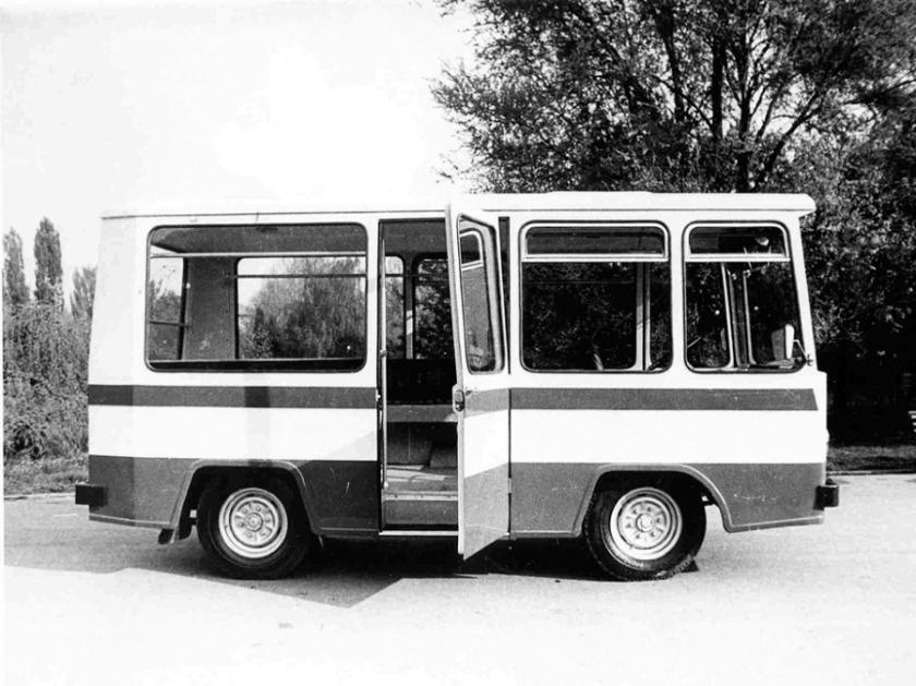 Rocar minibus-1