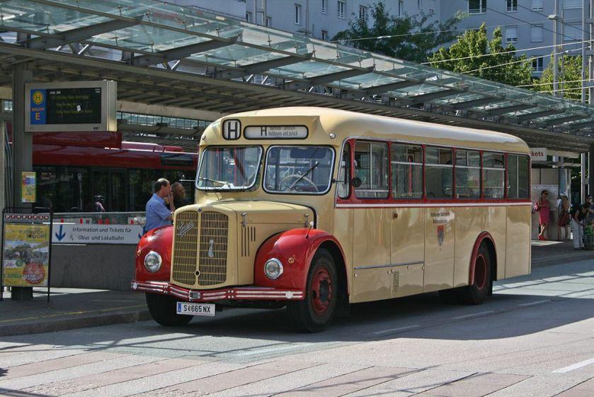 Saurer-Bus Salzburg Seitenansicht