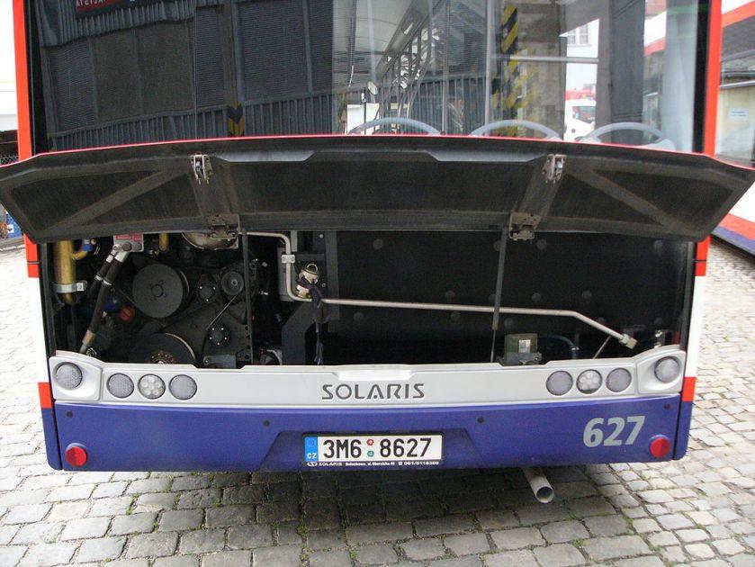 05 Solaris_Urbino_12_engine