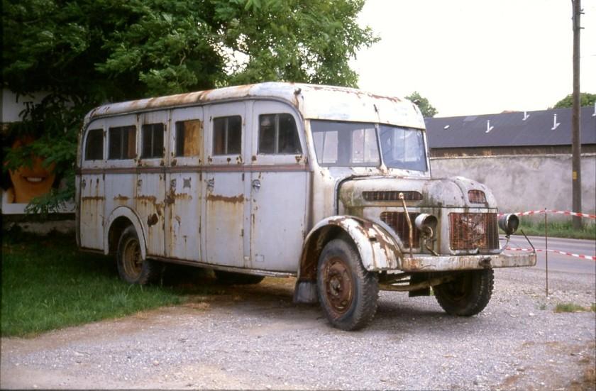 1051 Steyr_LKW,_Bus