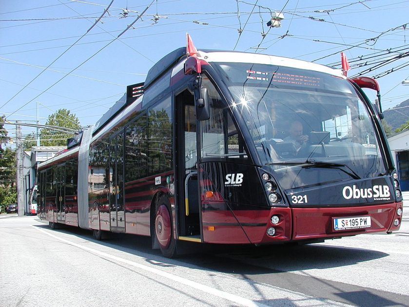 11 Salzburg_Solaris_Trollino_18_-Metrostyle-