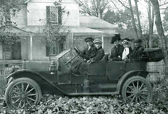 1911 EMF Demi Tonneau