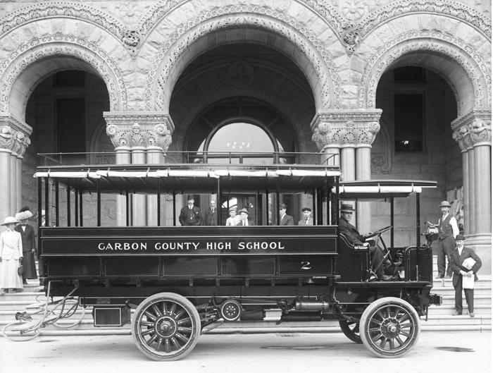 1912 Studebaker Bus