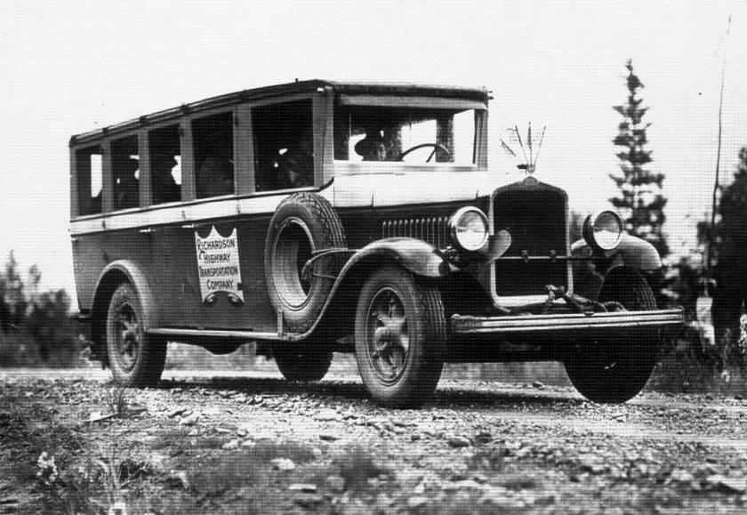 1918 Studebaker RHTCbus
