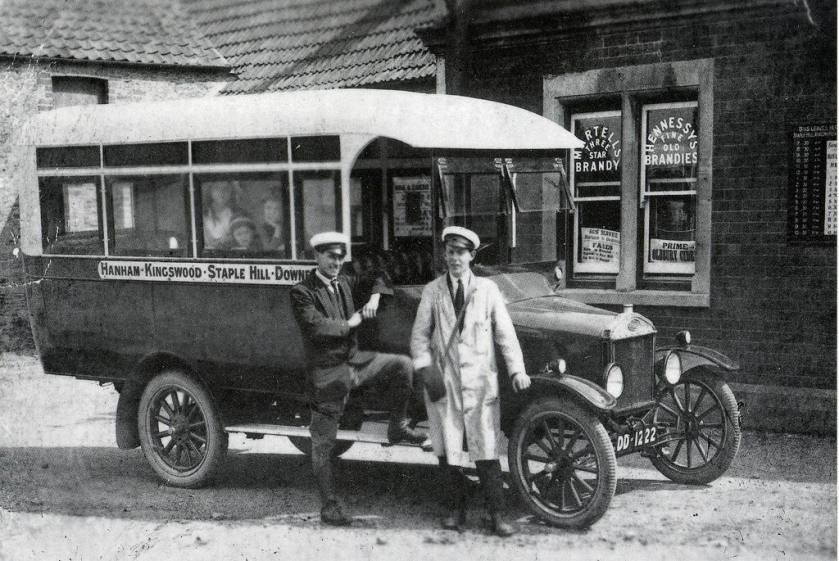 1922 Bence's Motor Services, Ford 'T' model 14-seat bus