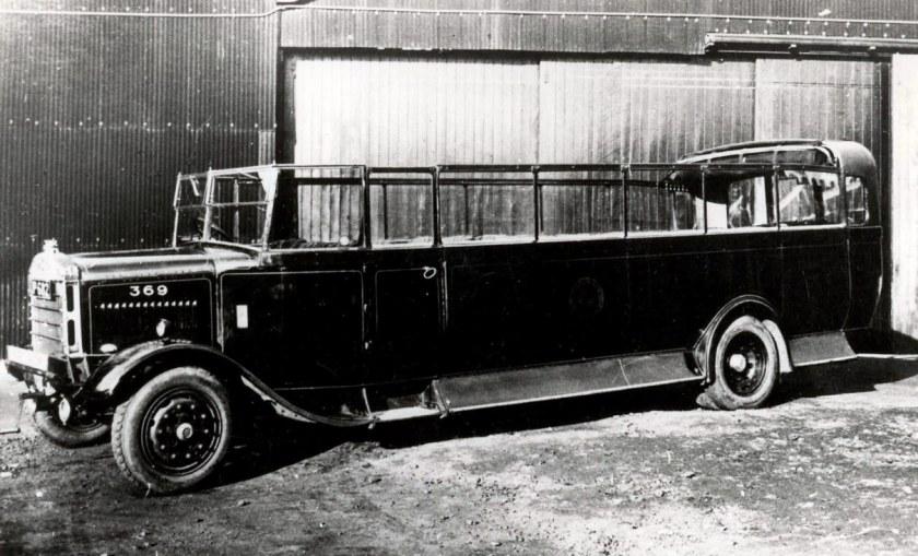 1928 SOS QLC Short Bros Ch29 new 1928 Gateshead c 1930 See Gateshead