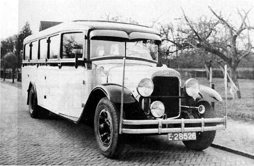 1932 Stewart toerwagen met Van Leersum karrosserie met 26 zitplaatsen