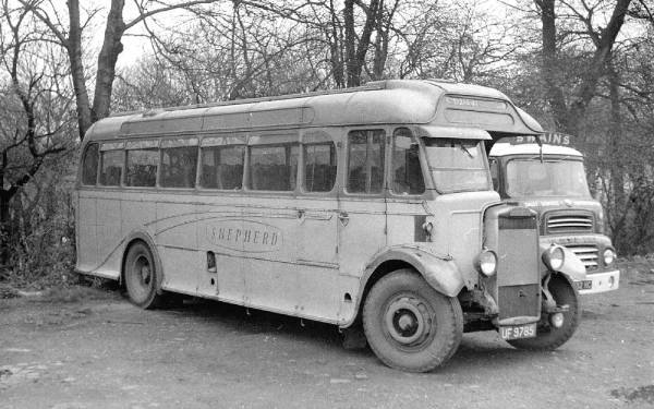 1933 Leyland Tiger TS4 with Harrington C32R body a