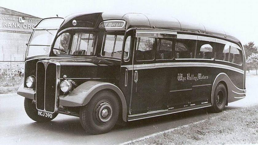 1935 AEC Regal III 9621A bodied by Thomas Harrington HCJ390