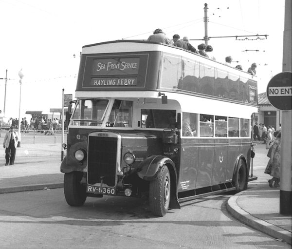 1935 Leyland TD4 as 117 with an English Electric H26-24R body.