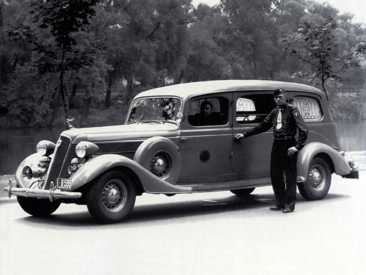 1935 Studebaker ambulance
