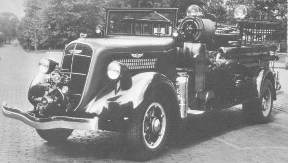 1936 brandweer trucks studebaker 2W657 fireengine