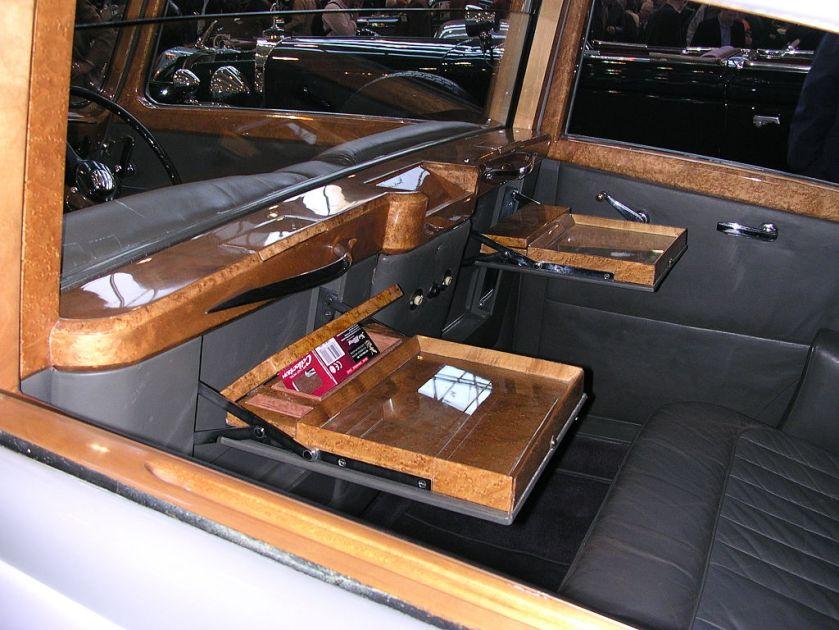 1936 Rolls-Royce Phantom III Gurney-Nutting Tisch