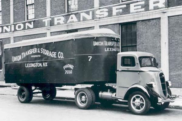 1936-Studebaker-2M201-COE-Union-Van-Tractor-Truck