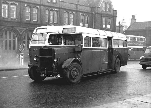 1937 English Electric B35C bodied Leyland TS7