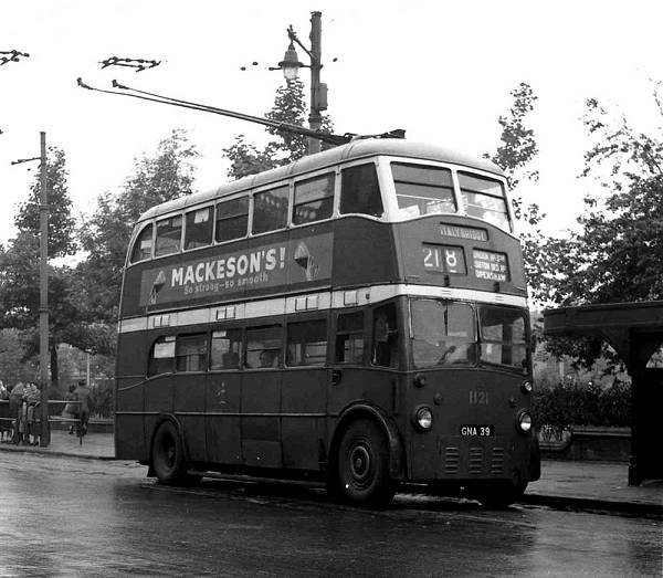 1940 Leyland TB5 - English Electric H28-26R