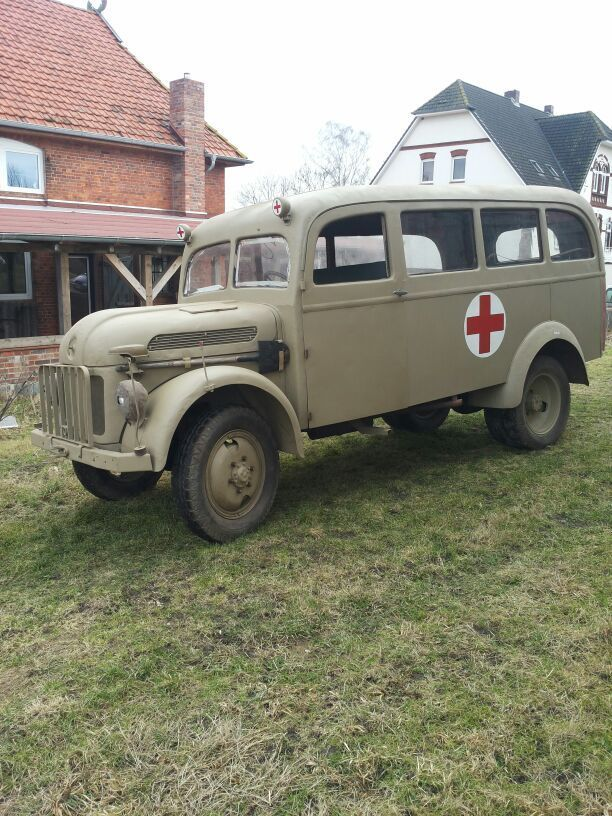 1943 Steyr1500 Ambulance