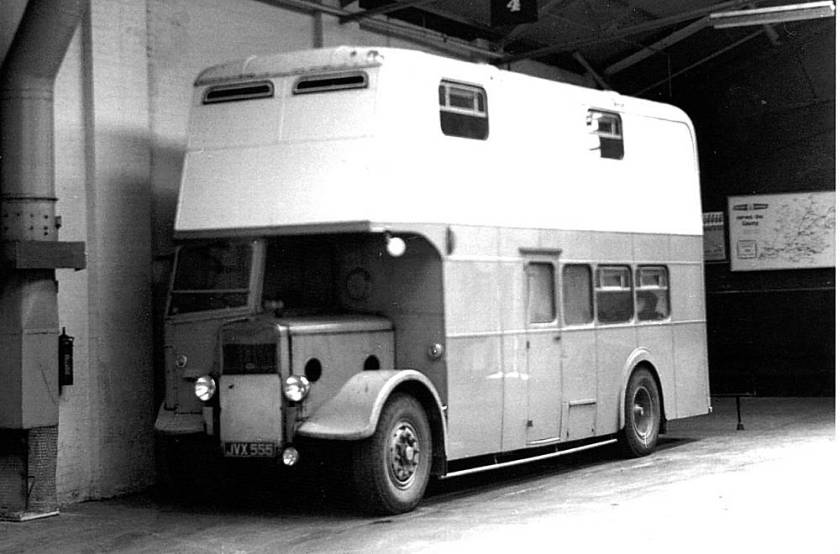 1945 Guy Arab II with Strachan lowbridge body