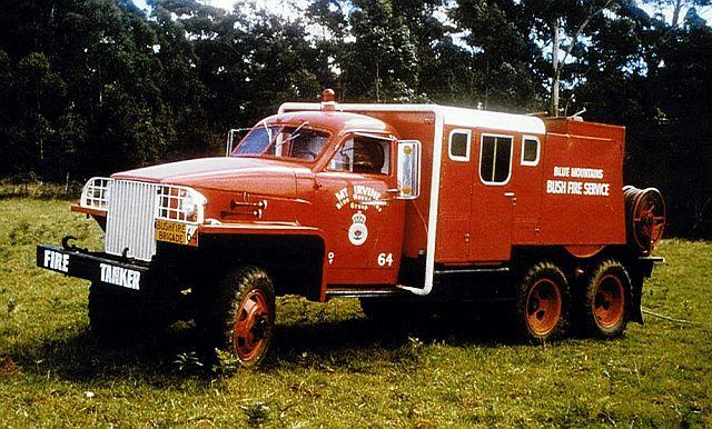 1945 studebaker mt irvine fire truck 3-78