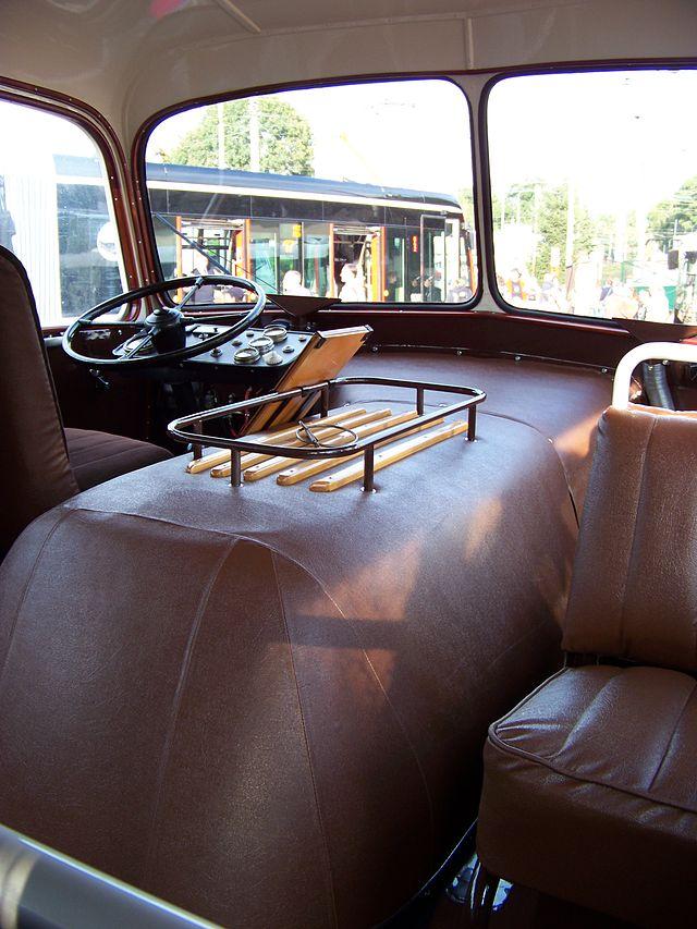 1947-58 Škoda 706 RO, stanoviště řidiče