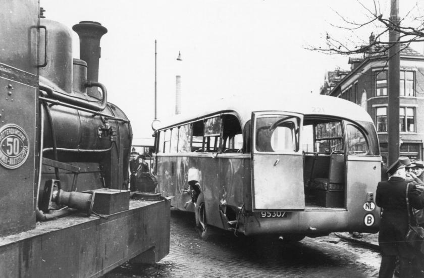 1948 221-2-Saurer-Seitz