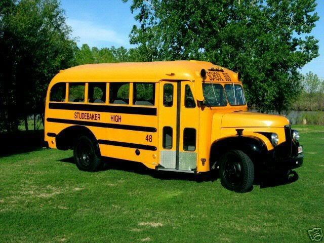 1948 Studebaker M16 bus