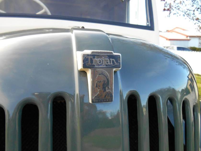 1948 Trojan 15 Van Logo