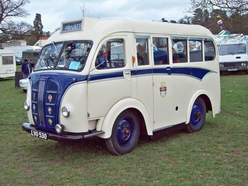 1950 Austin K8 Mini Bus 2199cc S4 OHV a Kenex
