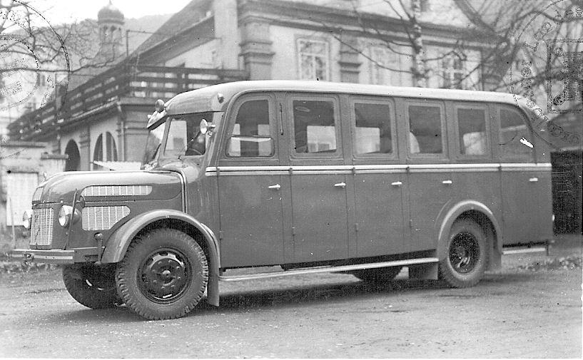 1950 Steyr Diesel 380b mit 10-türigem Mannschafts-Aufbau