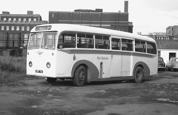 1952 KWF761, one of the two Barnaby C37C bodied AEC 9822E Regal IVs