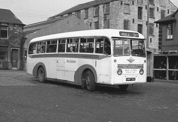 1952 KWF762 was a Barnaby C37C bodied AEC 9822E Regal IV